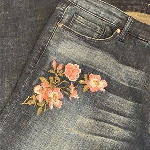 Pants - Women's Miracle jeans Freedom Boyfriend VGC